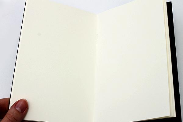 """Pelle Linen Paper Notebook Insert - Medium (4.3"""" X 6.8"""") - Plain - 64 Pages - PELLE LN M P"""