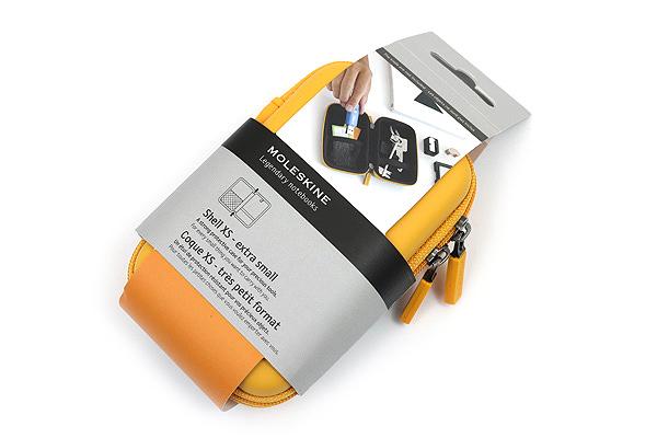 Moleskine Travelling Collection Shell Case - XS - Yellow Orange - MOLESKINE 978-88-6613-811-2