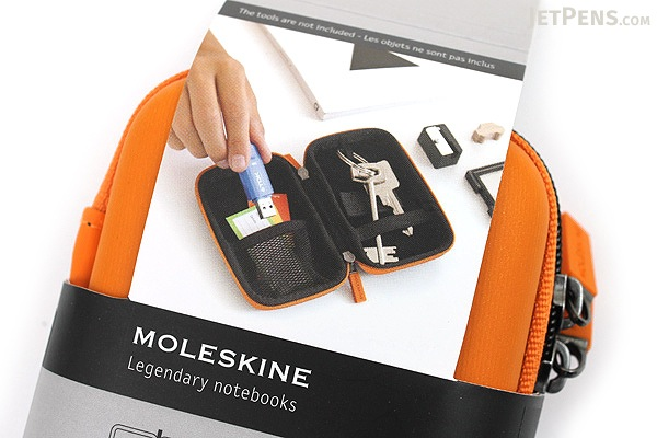 Moleskine Travelling Collection Shell Case - XS - Orange - MOLESKINE 978-88-6613-390-2