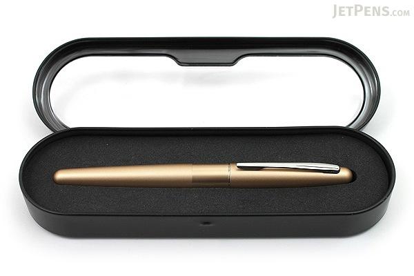 Pilot Metropolitan Fountain Pen - Gold Plain - Medium Nib - PILOT MRFC1BLKMGLDP
