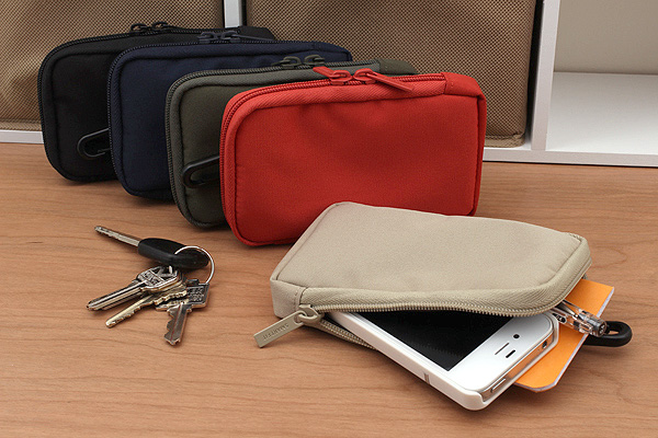Lihit Lab Smart Fit Mobile Pouches