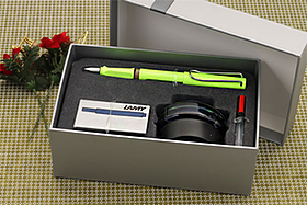 Pen Perks: Lamy Safari Fountain Pen Gift Set Giveaway