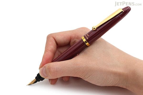 Ohto Jazz Fountain Pen - Fine Nib - Wine - OHTO FF-13J-WI