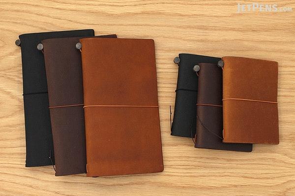 Traveler's Notebook Starter Kit - Passport Size - Black Leather - TRAVELER'S 15026006